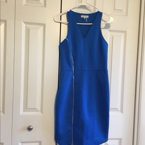 1. STATE V-NECK AZURE SKY DRESS